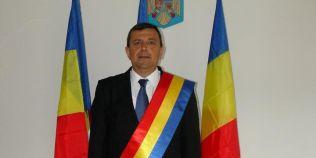 Pana unde s-a ajuns cu Book List Challenge: un primar din Romania spune ca l-a impresionat