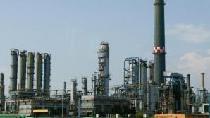 LUKOIL ameninta ca va inchide rafinaria Petrotel daca procurorii nu ridica sechestrul