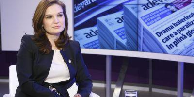 VIDEO Valeria Schelean, la Adevarul Live: Udrea sa fie insotita de jandarmi, dar fara sa fie in situatia de a purta catuse in Parlament