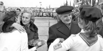Zece capricii iesite din comun ale cuplului Ceausescu: ii terorizau pe cei din jur cu obsesia pentru spalatul cu spirt sau partide trucate de sah