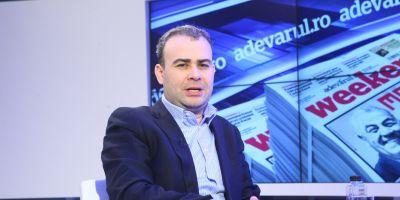 Ministrul Finantelor, Darius Valcov, dus cu mandat la sediul DNA. Ofiterii l-au asteptat la iesirea din sediul B1 TV