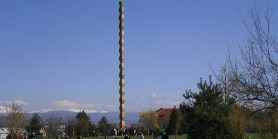Ansamblul realizat de Brancusi la Targu Jiu, propus pentru a intra in patrimoniul UNESCO din anul 1993. Guvernantii