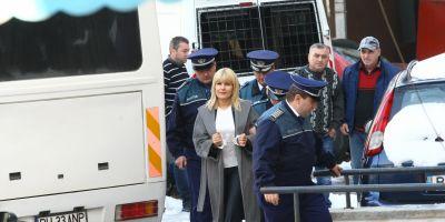 Elena Udrea, traumatizata de contactul cu detinutele de la Penitenciarul Targsor. Amenintata si fara posibilitatea sa faca cumparaturi