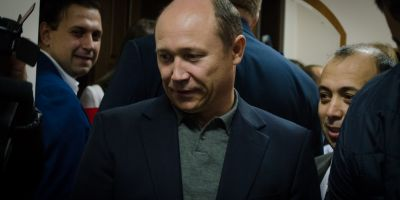 Cu diplomele in regula, Valeriu Strelet preia conducerea Republicii Moldova