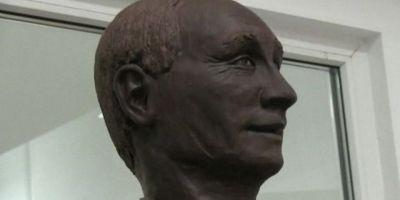 O statuie din ciocolata a presedintelui rus Vladimir Putin va fi expusa la Sankt Petersburg