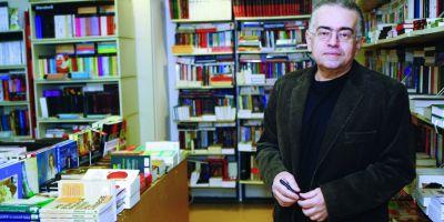 INTERVIU cu omul care a adus cartea 15 ani. Dan C. Mihailescu: