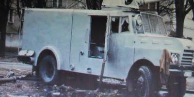 EXCLUSIV Autotun cu care s-a intervenit impotriva demonstrantilor din Timisoara, in 17 decembrie 1989, pastrat intr-un muzeu