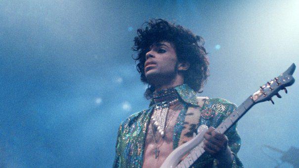Moartea lui Prince a strans pe Twitter 8 milioane de mesaje in cateva ore