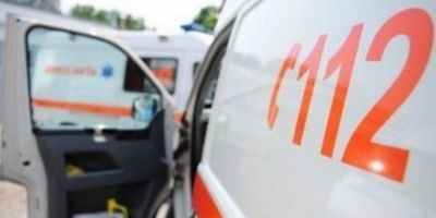 Cum ajung sa ucida soselele din Romania. Un pacient grav ranit a murit in ambulanta pe un drum plin de gropi