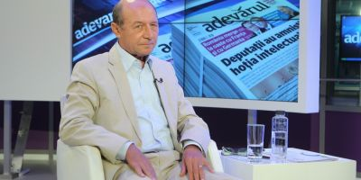 Basescu vrea definirea familiei ca uniunea dintre barbat si femeie, dupa ce in 2013 sustinea casatoriile gay