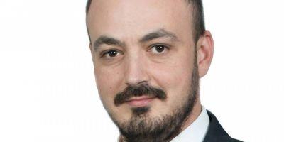 Secretarul PSD care le-a batut obrazul colegilor de partid le cere din nou sa nu ignore strada: