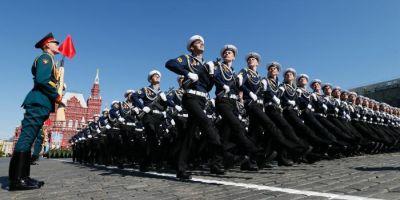 Studiu: Rusia isi mareste bugetele militare, in ciuda sanctiunilor economice
