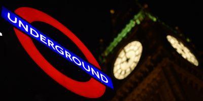 O femeie impuscata si patru persoane arestate intr-o operatiune antiterorista la Londra
