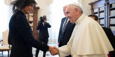 VIDEO Papa Francisc a intrebat-o pe Melania Trump: