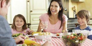 Cat de important este sa luam masa in familie. Motivele pentru care sanatatea fizica si psihica a copiilor va inflori
