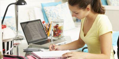 Studiul Ministerului Educatiei: Peste 70% din parinti si elevi considera ca temele pentru acasa sunt obositoare si stresante