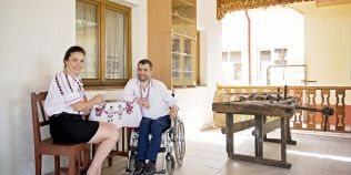 Un roman a deschis prima pensiune destinata persoanelor cu dizabilitati. Cum arata si ce facilitati are