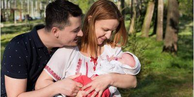Umilintele in serie traite de o romanca pentru indemnizatia de crestere a copilului