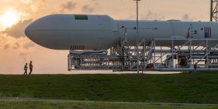 VIDEO SpaceX a lansat cu succes pe orbita Pamantului un satelit de marimea unui autobuz