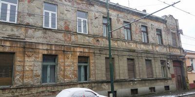 VIDEO Cum a reusit o familie de romi sa locuiasca ilegal 17 ani intr-un apartament al statului fara sa plateasca chirie.