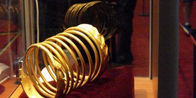 Germanul acuzat de trafic de comori dacice: a vandut o bratara de aur de un kilogram si peste 1.000 de artefacte