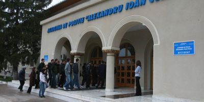 Cum scolarizeaza gratuit Ministerul de Interne tineri palestinieni, in fiecare an
